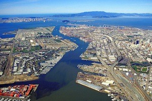 Photo: Aerial view of Port of Oakland via Wiki Commons