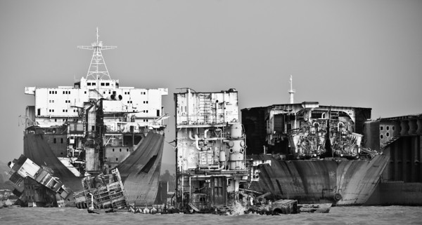 Ship breaking beach in Chittagong. (c) Jan Møller Hansen Photography