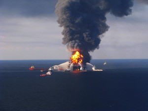 Deepwater-Horizon-oil-rig-explosion