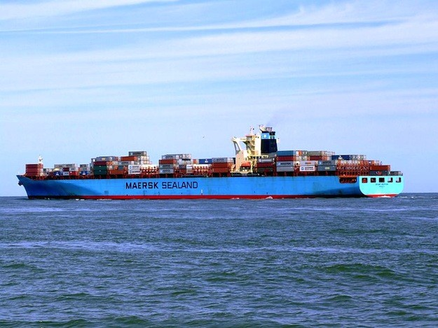 Owned by Costamare, the M/V Sealand Michigan is a 2000-built, 6,648 teu containership on an 11-year charter to A.P. Moller-Maersk.