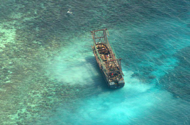 Chinese Fishing Vessel Pulled from Tubbataha Reef
