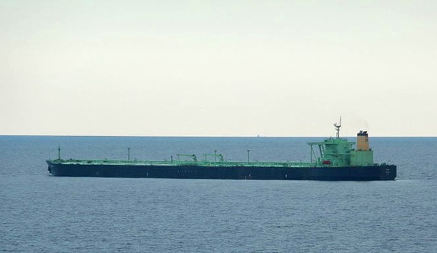 Tanker Oliva offloading at the LOOP, image courtesy BoH/Wikipedia